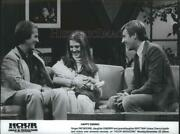 1981 Press Photo Singer Pat Boone Guest With Daughter Cherry On Hour Magazine