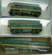 Ho Vintage Athearn Northern Pacific Passenger Set -- 2 Locos 5 Cars