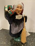 Byers Choice Caroler Old Befana Italian Christmas Witch Broom Presents Tag 2001