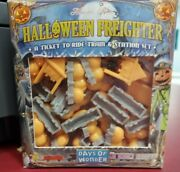 Ticket To Ride Halloween Freighter Pumpkin Train Cars Rare Oop New/sealed