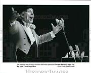 Press Photo New York-british Pantomime Norman Barrett In Oops - Syp30824