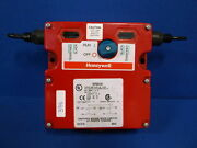 Honeywell Dual Cable Pull Safety Switch 2cpsa1a1 Nnb