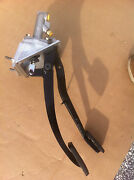 Jaguar Xjs Lhd Clutch/brake Pedal Box Non Abs With New Cylinder And Pedal Pads