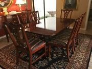 Thomasville Mahogany Sheraton Dinner Table With 8 Chairs