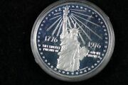 1776 - 1976 American Revolution Bicentennial We The People Coin J00344