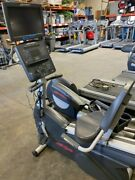 Life Fitness Integrity Series Clsr Recumbent Bike With Video Screen
