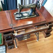 Beautiful Antique Singer Original Sewing Machine With Sewing Table And 7 Drawers