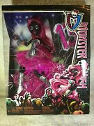 Canadian Variant Monster High Catty Noir 13 Wishes Doll Rare Mib