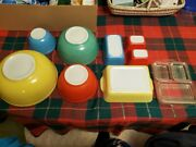 8 Piece Pyrex Bowls And Containers Vintage Set
