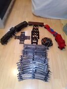 Vintage 1060 Lionel Train Set Locomotive And Tender W/caboose 2 Cars, Track And Brid