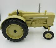 Ertl Cockshutt 560 1/16 Diecast National Farm Toy Museum Tractor Collectible