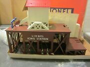 Lionel 2306 Operating Icing Station And Pacific Express Fruit Car