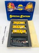 Athearn Special Edition 2305 Ho Scale Set Of 3 Union Pacific Bay Window Caboose
