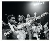 Vintage Marvin Hagler Vs Tommy Hearns Boxing Fight Black And White 8 X 10 Photo