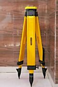 Wooden Tripod Heavy Duty Survey Equipment Anodizing Tripod Stand For Ts