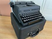 1943 Vintage Royal Quiet De Luxe Portable Typewriter Working W New Ink And Case