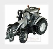 Valtra T254v Tractor 2018 White Pearl Met Black Britains 132 Lc43215 Mmc
