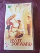Pay It Forward - Kevin Spacey - Helen Hunt - Pal Vhs Video Tape
