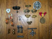 Vintage Mixed Lot Of Us Military Pins And Medal
