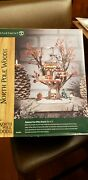Dept 56 North Pole Woods Oakwood Post Office Branch Lighted Tree 2 Pc 56881 New