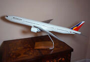 Pacmin 1/100 Philippines Boeing 777-300er Display Model