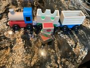 Melissa And Doug Wooden Train Set With Crates