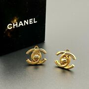 Auth Turn-lock Cc Logos Earring Gold-plated 95a France Vintage From Japan