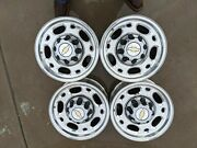 Chevy 2500 Oem Aluminum Rims 8 Lug Like New With Hub Caps Fits 2010 And Older