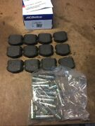2006 2007 2008-2013 Z06 Corvette Oem Gm Front Pads And Pins C6 Factory 19153019