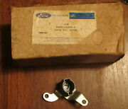 Nos 1972 Ford Torino Ltd Wagon Lock Cylinder Lever Tailgate D2oz-71431f60-a