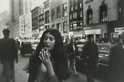 Garry Winogrand Women Are Beautiful 1969 / Silver Print / Signed / Gw79