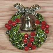 Vintage Weiss Christmas Wreath With Holly Berries And Bell Pin / Brooch Read