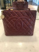 100 Auth Classic Medallion Cc Logo Quilted Deep Redcaviar Skin Tote Bag