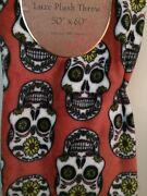 Amber Home Design Sugar Skull Day Of The Dead Halloween Luxe Plush Throw Blanket
