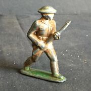 Antique Vintage American Alloy Lead Toy Soldier Tc4 Charging Port Arms