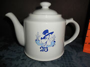Vintage 1995 By Wade Jim Beam White Color Teapot 1995 25th Ron Dannu Euc