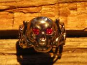 Vintage 30and039s Toy Ring Skull Cross Bone Flashing Jewel Red Eyes Size 8.5 Rare