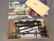 Ho Scale Athearn 1506 Koppers 3 Dome Tank Car Kit