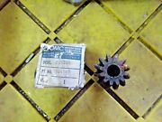 Evinrude Johnson Omc 304587 Pinion Oem New Factory Boat Parts Outboard