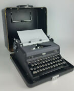 Vintage 1940's Royal Quiet De Luxe Typewriter And Portable Case Serial A-1707368