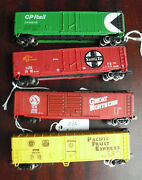 Lot Of 4 Bachmann Atlas N Scale Reefer And Box Cars - Cp Sf Gn Pfe