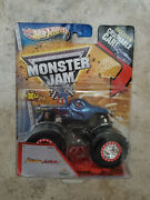 Hot Wheels Monster Jam Jurassic Attack Spectraflames With Crushable Car