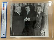 1928 Original News Service Photo Babe Ruth, Lou Gehrig And Alfred Smith Psa Type I