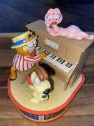 1980 Garfield And Odie Music Box Player Piano Plays The Entertainer