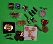 Nice Lot Of Ww 2 Us Army Vintage Military Badges And Ranks 29 .