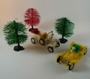 Ford Model T Cars Hong Kong Christmas Village Accessories W/ Trees Set 2 Plastic