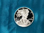 1 Oz Silver Round / Walking Liberty Design .999 Fine / Deep Cameo Proof Strike