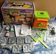 Creepy Crawlers Workshop Oven Bug Magic Maker Toy 1993 -goops Included - Tested