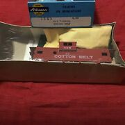 Athearn Ho Scale 37' Cotton Belt Wide Vision Caboose Kit 5363 Brand New