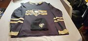Nhl Pittsburgh Penguins 87 Sidney Crosby Preowned Jersey And Labatt Blue Hat